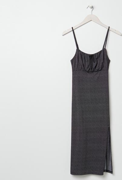 Czarna sukienka Sinsay midi z okrągłym dekoltem
