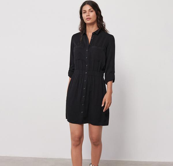 Czarna sukienka Sinsay szmizjerka
