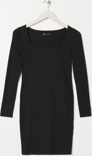 Czarna sukienka Sinsay z długim rękawem w stylu casual z okrągłym dekoltem