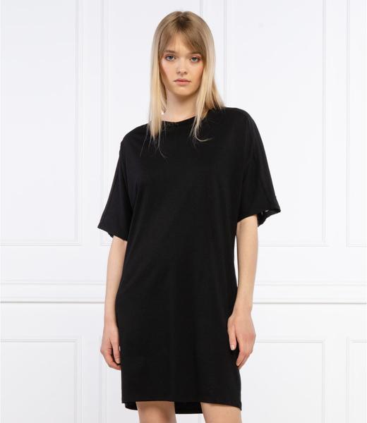 Czarna sukienka Superdry z krótkim rękawem z okrągłym dekoltem