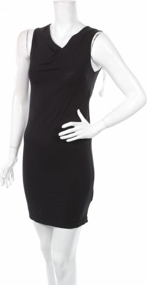 Czarna sukienka Usha mini bez rękawów z dekoltem w kształcie litery v