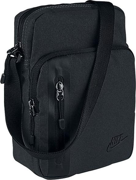 Czarna torba Nike na ramię średnia w sportowym stylu