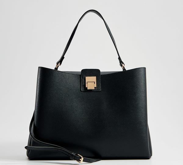 Czarna torebka Mohito średnia matowa na ramię