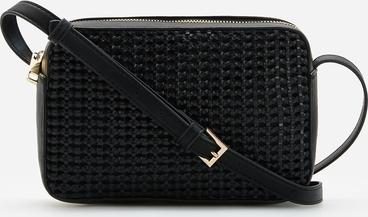 Czarna torebka Reserved na ramię zdobiona średnia