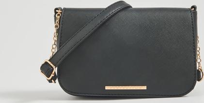 Czarna torebka Sinsay średnia matowa na ramię