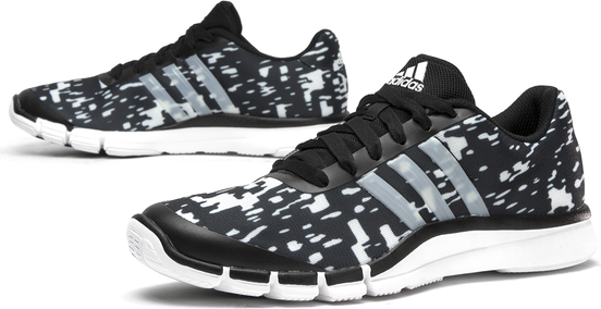 Czarne buty sportowe Adidas w sportowym stylu na koturnie