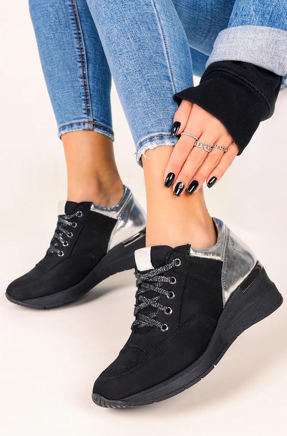 Czarne buty sportowe Casu sznurowane z płaską podeszwą
