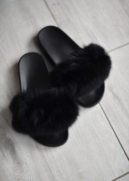 Czarne klapki Fason w stylu casual z płaską podeszwą