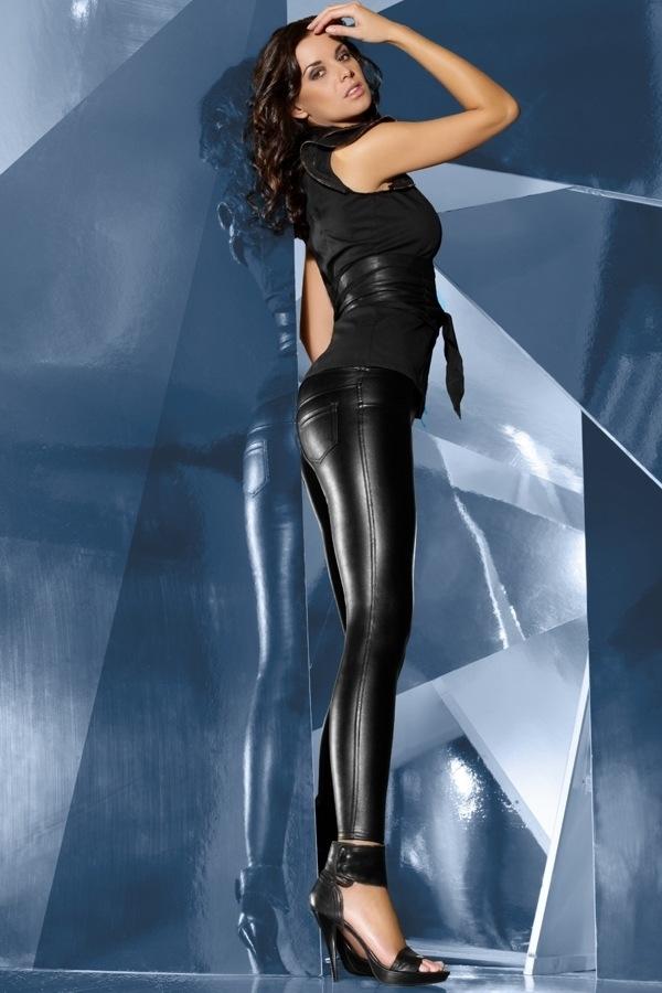 Czarne legginsy basbleu w rockowym stylu