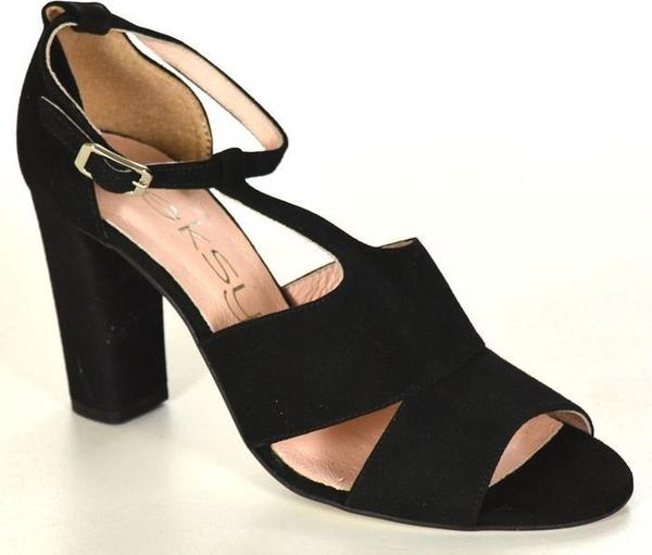 491c6996 Czarne sandały oleksy w stylu casual z zamszu