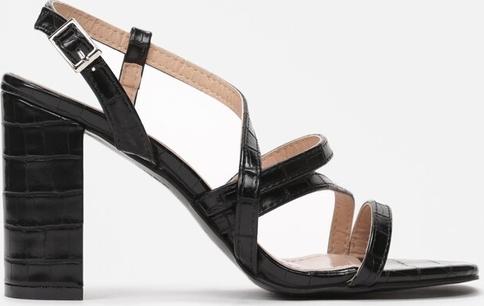 Czarne sandały Renee na obcasie z klamrami