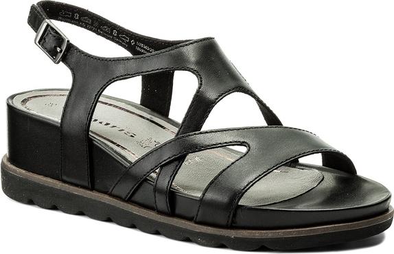 Czarne sandały tamaris na koturnie w stylu casual