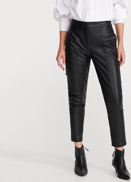 Czarne spodnie Reserved ze skóry w rockowym stylu