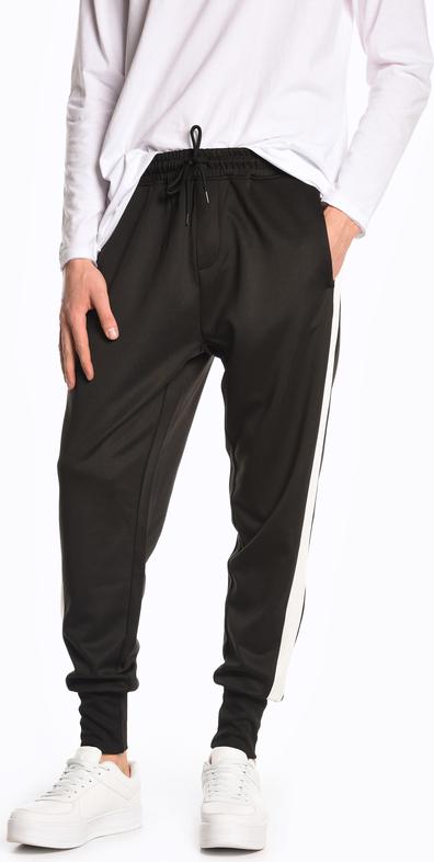 Czarne spodnie sportowe Gate z dresówki