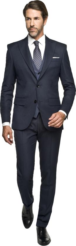 Czarny garnitur recman bez wzorów