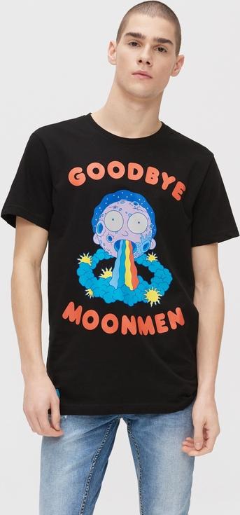 Czarny t-shirt Cropp z krótkim rękawem z nadrukiem