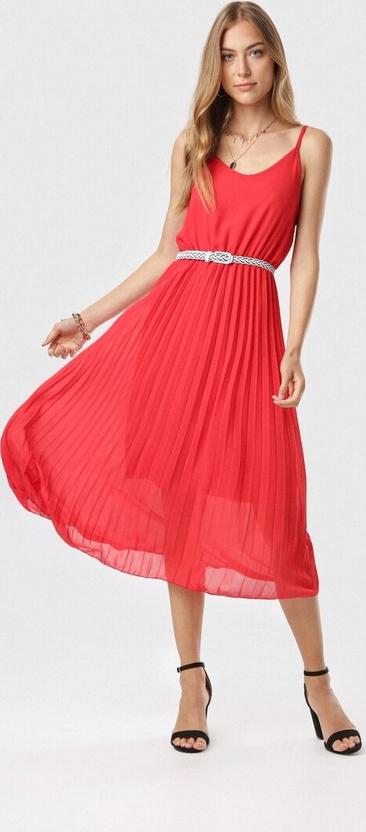 Czerwona sukienka born2be z dekoltem w kształcie litery v midi