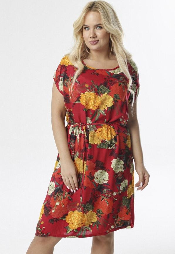 Czerwona sukienka born2be z krótkim rękawem w stylu casual prosta