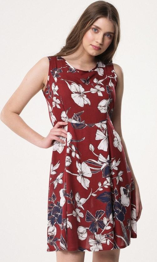 Czerwona sukienka born2be z okrągłym dekoltem