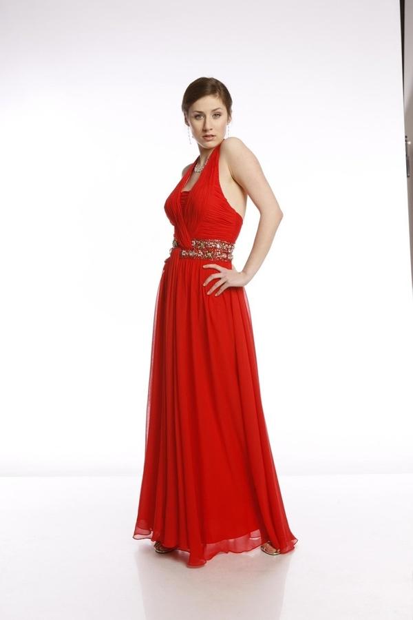 Czerwona sukienka Fokus w stylu glamour z szyfonu rozkloszowana