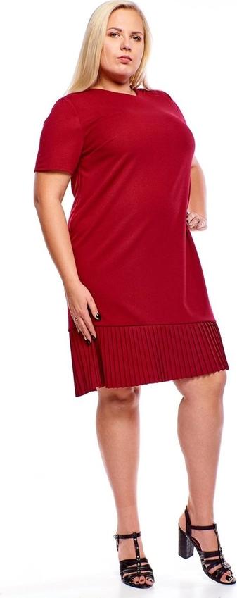 Czerwona sukienka Fokus z tkaniny midi dla puszystych