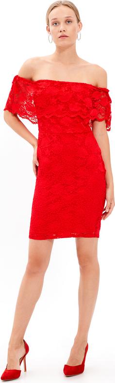 Czerwona sukienka Gate