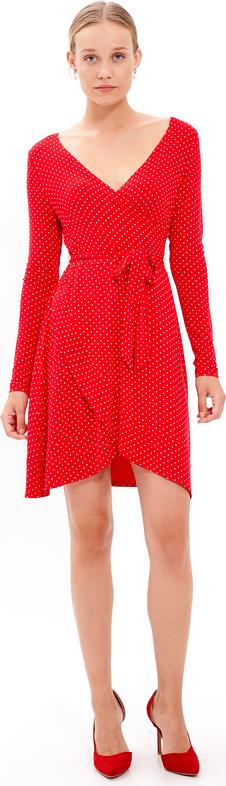 Czerwona sukienka Gate z dekoltem w kształcie litery v z długim rękawem