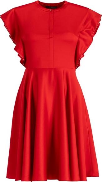 Czerwona sukienka Guess z krótkim rękawem rozkloszowana z okrągłym dekoltem