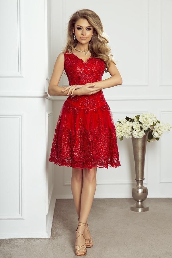 Czerwona sukienka imesia.pl rozkloszowana w stylu glamour