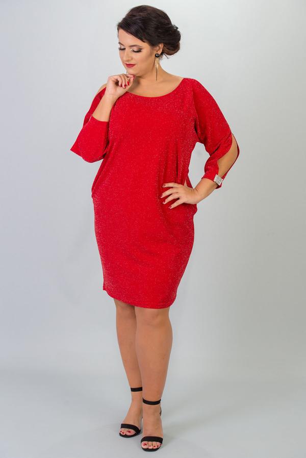 Czerwona sukienka KARKO dla puszystych z okrągłym dekoltem