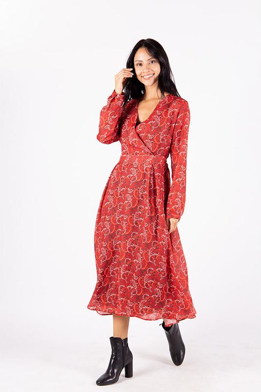 Czerwona sukienka MEXX z długim rękawem midi z dekoltem w kształcie litery v