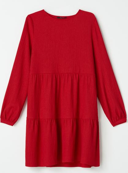 Czerwona sukienka Mohito trapezowa z długim rękawem w stylu casual