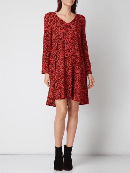 Czerwona sukienka NA-KD koszulowa z dekoltem w kształcie litery v
