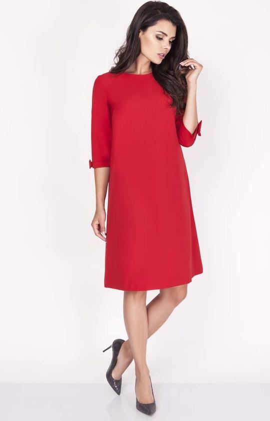 Czerwona sukienka Nommo z okrągłym dekoltem