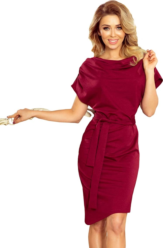 Czerwona sukienka NUMOCO asymetryczna z krótkim rękawem z bawełny