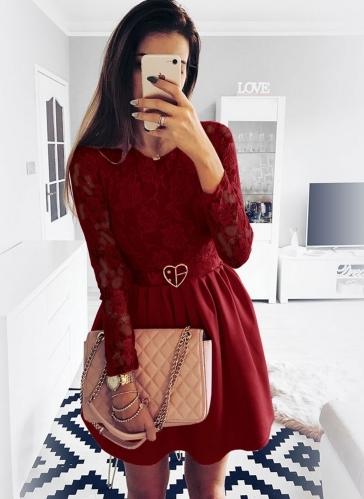Czerwona sukienka Pakuten z długim rękawem mini z okrągłym dekoltem