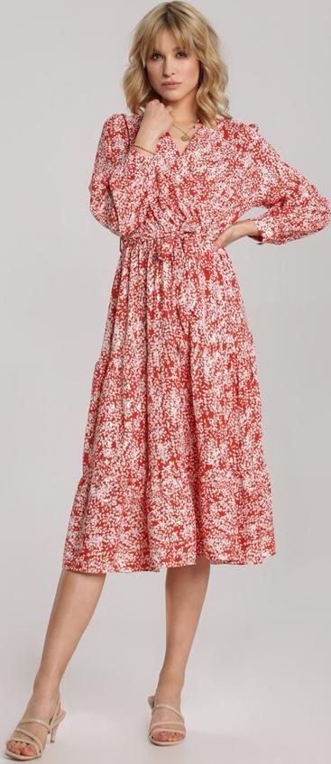 Czerwona sukienka Renee rozkloszowana