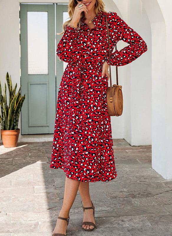 Czerwona sukienka Sandbella z dekoltem w kształcie litery v midi z długim rękawem