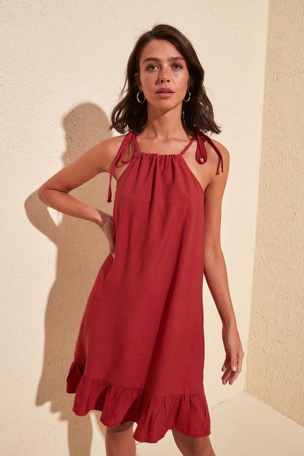 Czerwona sukienka Trendyol