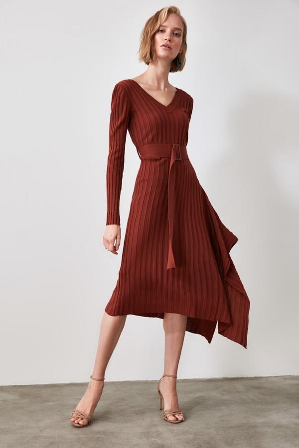 Czerwona sukienka Trendyol midi