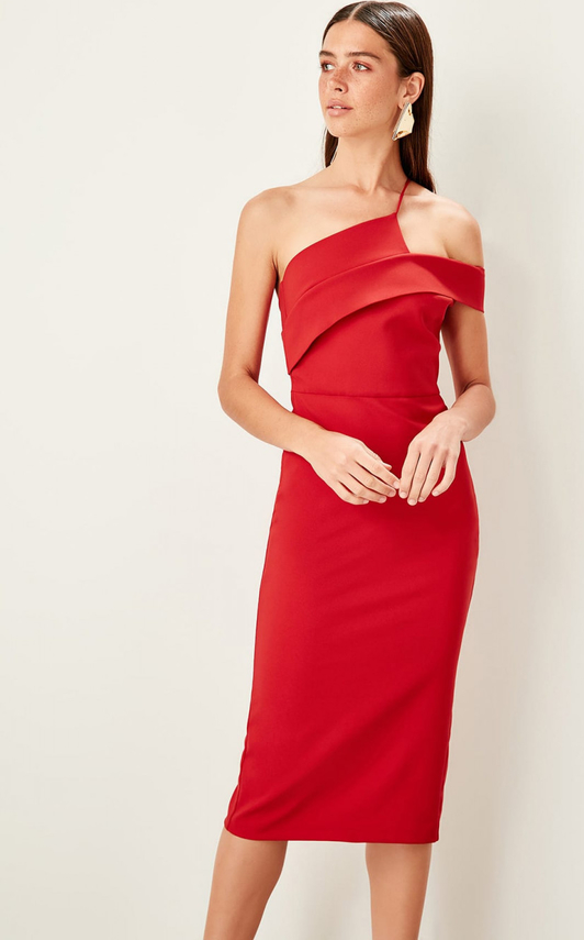 Czerwona sukienka Trendyol prosta midi