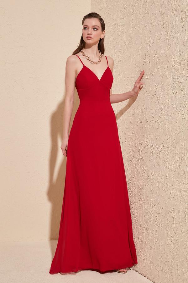 Czerwona sukienka Trendyol z dekoltem w kształcie litery v maxi
