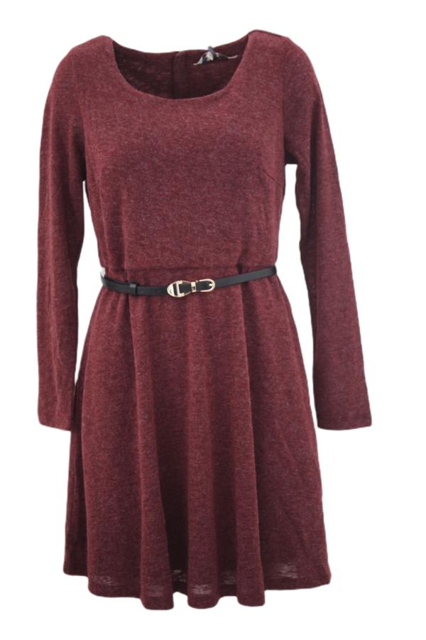 Czerwona sukienka Yumi w stylu casual z długim rękawem