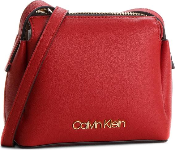 7534a2a48279f Torebka Calvin Klein Black Label w młodzieżowym stylu