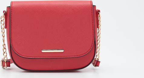 Czerwona torebka Sinsay matowa na ramię w stylu casual