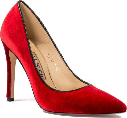 Czerwone szpilki Nescior na szpilce w stylu klasycznym na wysokim obcasie