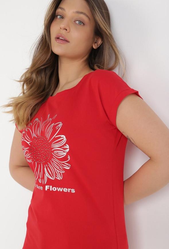 Czerwony t-shirt born2be z krótkim rękawem z okrągłym dekoltem