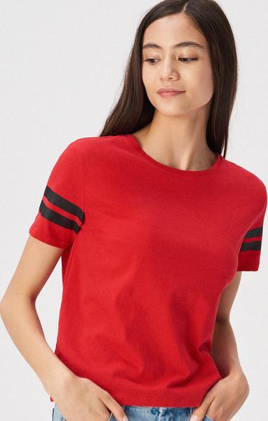 Czerwony t-shirt Sinsay z krótkim rękawem