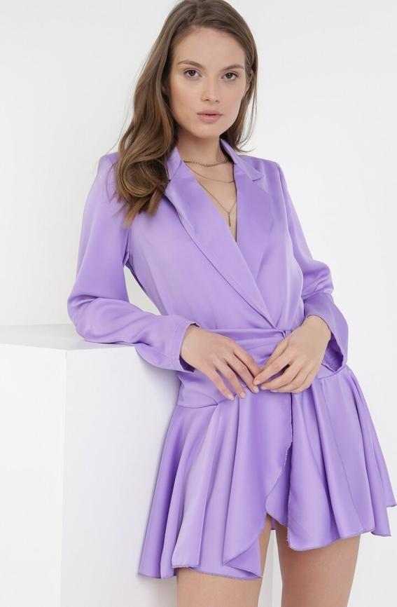 Fioletowa sukienka born2be z dekoltem w kształcie litery v