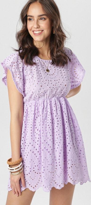 Fioletowa sukienka born2be z okrągłym dekoltem z krótkim rękawem